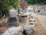 庭石を据え付けて、展示しています。